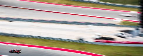 Ferrari fight hard through to GTE victory in COTA